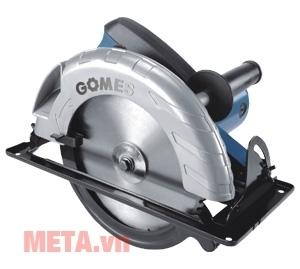 Máy cưa tròn Gomes GB-2235 dễ cầm điều khiển thao tác cắt.