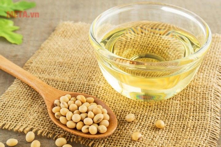 Dầu đậu nành Simply 5 lít với chiết xuất 100% đậu nành tinh luyện.