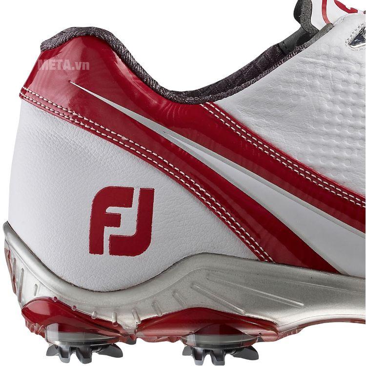 Giày golf nam FootJoy DNA 53387 với thiết kế đường viền xung quanh giày.