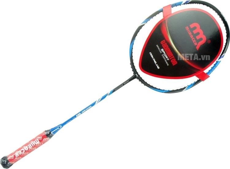 Vợt cầu lông Miiracer Woven Shot 889 dùng để tập luyện và thi đấu.