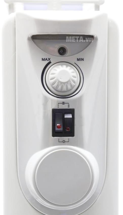 Máy sưởi dầu Tiross TS924 11 thanh với thiết kế bảng điều khiển dễ sử dụng.