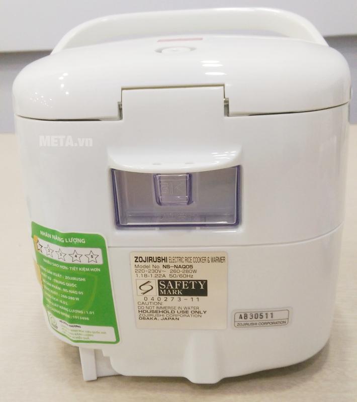 Nồi cơm điện Zojirushi NS-NAQ05-YL dùng điện áp 220V - 230V.