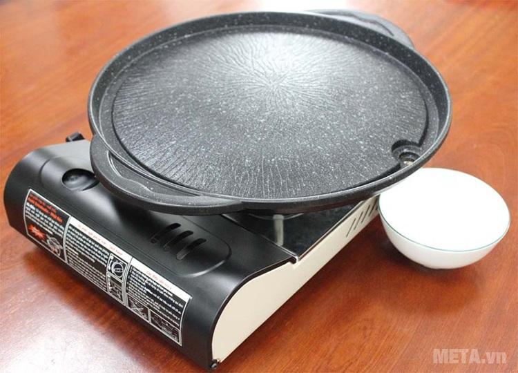 Chảo nướng chống dính Kova tròn HGR dùng với bếp ga dễ di chuyển.