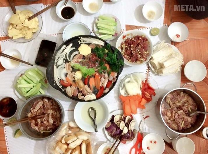 Chảo nướng chống dính Kova HGR thích hợp tổ chức tiệc nướng BBQ.