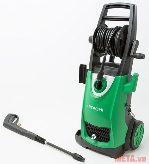 Máy rửa xe Hitachi AW150 có vỏ máy bằng nhựa cao cấp.