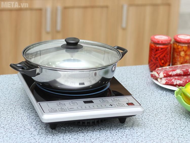 Nồi lẩu tặng kèm khi mua bếp từ Midea MI-B2015DE
