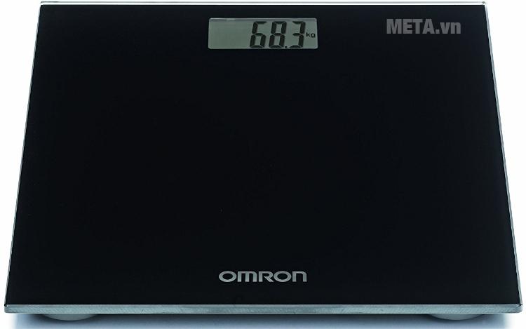 Cân điện tử Omron HN 289 với màn hình LCD dễ quan sát.