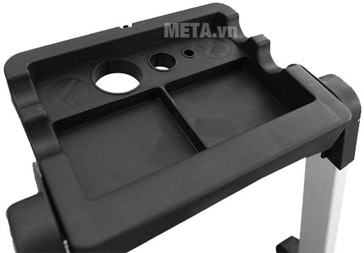 Thang ghế 4 bậc Nikawa NKP-04 với thiết kế khay để dụng cụ tiện lợi.