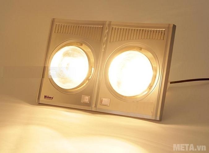 Đèn sưởi nhà tắm - Đèn sưởi hồng ngoại Hans 2 bóng phát ra ánh sáng dễ chịu.