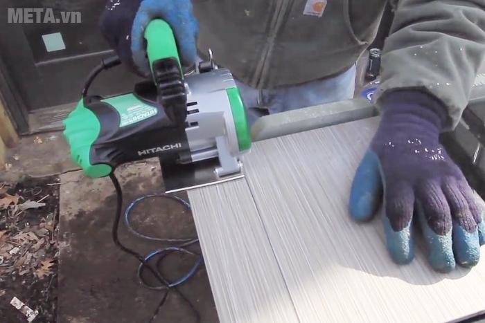 Máy cắt bê tông Hitachi CM4SB2 có đường cắt mịn đẹp