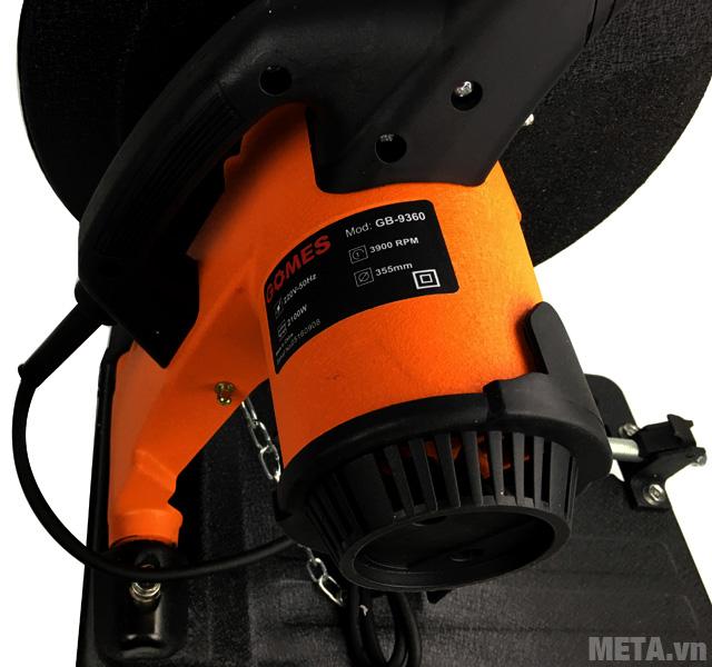 Máy cắt sắt Gomes GB-9360 với thiết kế ổ động cơ khỏe.
