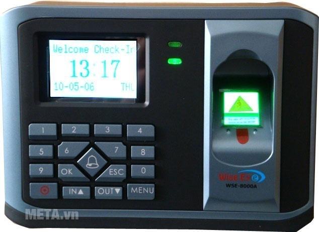 Máy chấm công WISE EYE 8000A có đèn báo khi hoạt động.