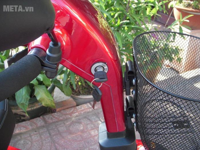 Xe lăn điện HA-3029S có giỏ xe để đồ