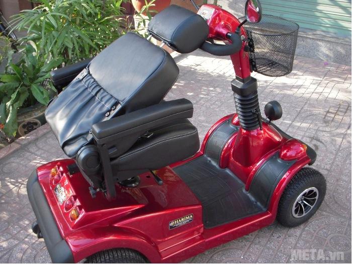 Xe lăn điện HA-3029S có thể gập gọn ghế khi không sử dụng.
