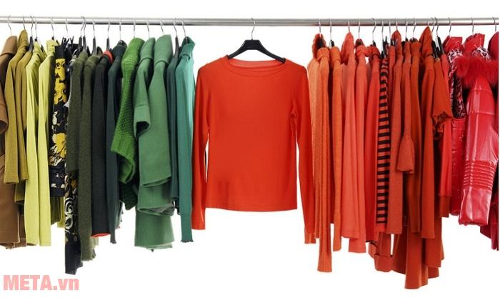 Máy sấy quần áo Sunhouse SHD2610 sấy được 10kg quần áo/1 lần sấy.