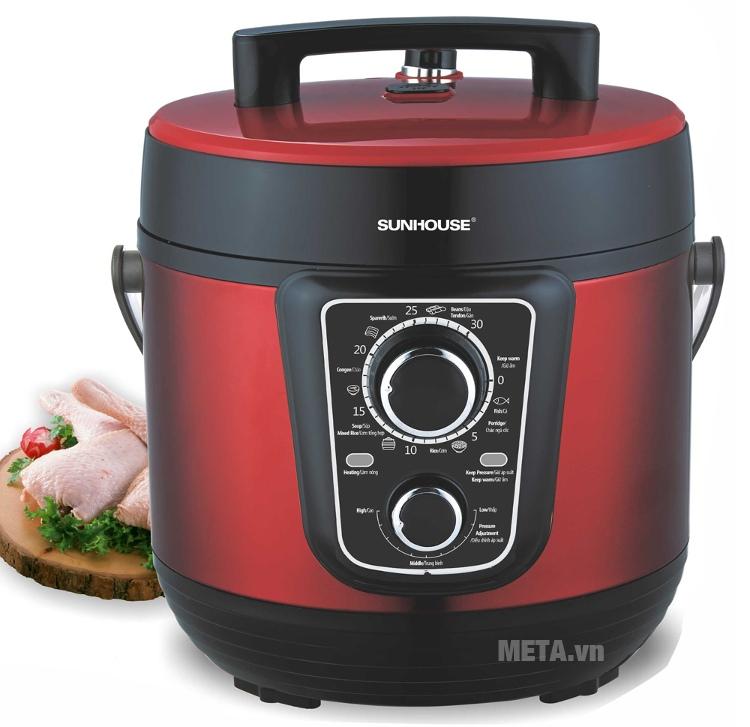 Nồi áp suất điện đa năng Sunhouse SHD1658 giúp bạn nấu cơm, nấu các món hầm và nấu súp dễ dàng.