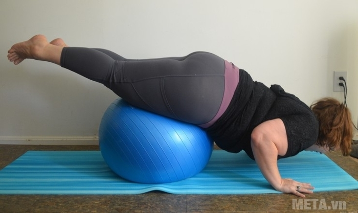 Bóng tập Yoga cao cấp trơn chịu được tải trọng người tập 200kg.