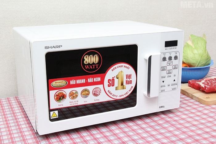 Lò vi sóng nướng điện tử Sharp có nướng R-678VN(W) có màu trắng sang trọng.