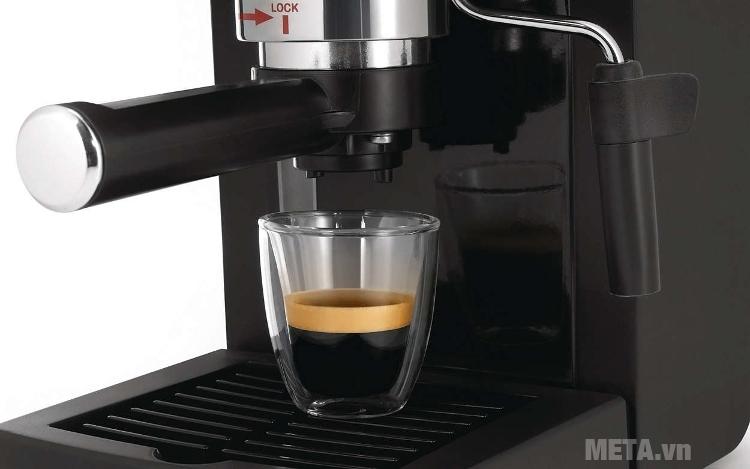 Máy pha cà phê Saeco Poemia Focus HD8423 (HD 8323) có vòi rót cà phê 2 tách.