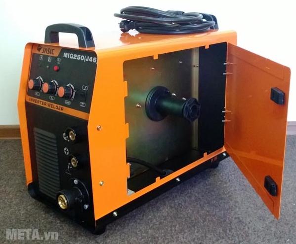 Máy hàn bán tự động Jasic MIG 250 (J46) thích hợp hàn vật liệu 5mm trở xuống.