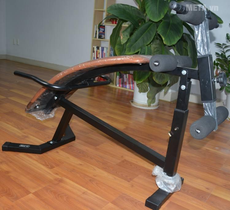 Ghế cong tập bụng Vifa 601003 (Ben Pro) với thiết kế đệm giữ chân chắc chắn.