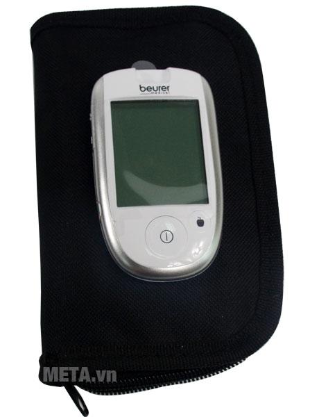 Máy đo đường huyết Beurer GL42 có túi đựng bảo quản máy.