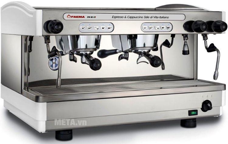 Máy pha cà phê Faema E98 Auto có gam màu trắng bạc sang trọng