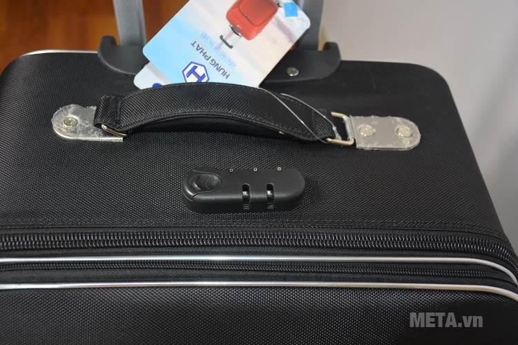Vali 4 bánh xoay VLX011 24 inch có khóa kéo và pass mã số an toàn, bẩo mật cao.