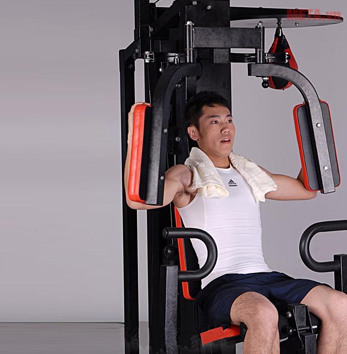 Giàn tạ đa năng Động Lực DLY-1522C-1 giúp bạn luyện tập cơ vai, bụng và bắp tay hiệu quả.
