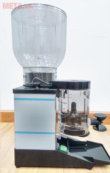 Máy xay cà phê Cunill Space Inox có 4 chân đế chống trượt