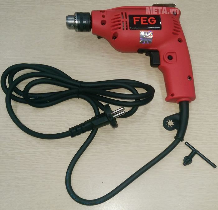 Máy khoan đầu cặp FEG EG-506A có đi kèm dụng cụ tháo lắp mũi khoan (khóa khoan)