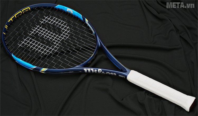 Vợt tennis Wilson ULTRA 100 WRT7297102 với gam màu xanh sang trọng