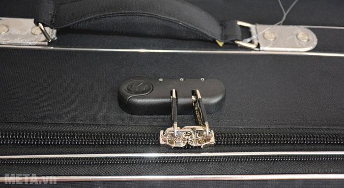 Vali 4 bánh xoay VLX012 28 inch có khóa số an toàn