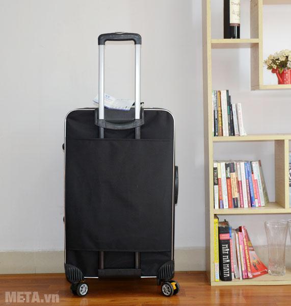 Mặt sau của vali 4 bánh xoay VLX012 28 inch