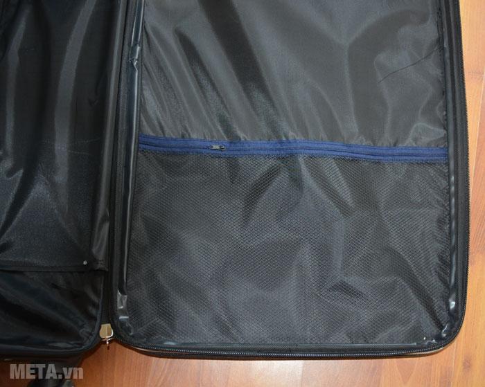 Bên trong khoang để đồ của vali VLX012 có thêm ngăn lưới thiết kế khóa kéo