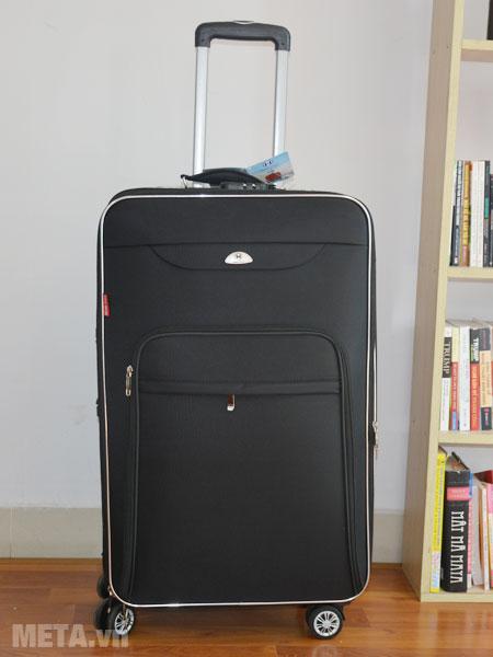 Vali kéo du lịch VLX012 có thể tích chứa đồ 95 lít.