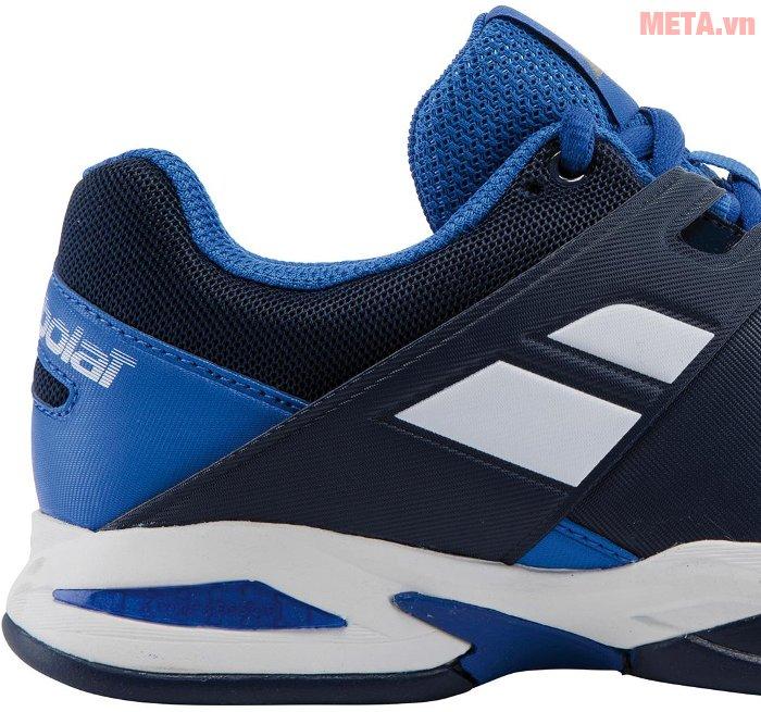 Giày tennis trẻ em Babolat Propulse 33S17478-102 dễ dàng lau sạch vết bẩn trên thân giày.