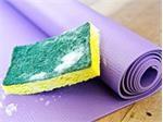 Có nên giặt thảm yoga định kỳ không? Giặt như nào đúng cách?