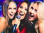 Bật mí những lợi ích tuyệt vời khi phụ nữ hát karaoke