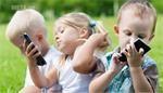 Hủy hoại cuộc đời con trẻ bằng điện thoại di động.
