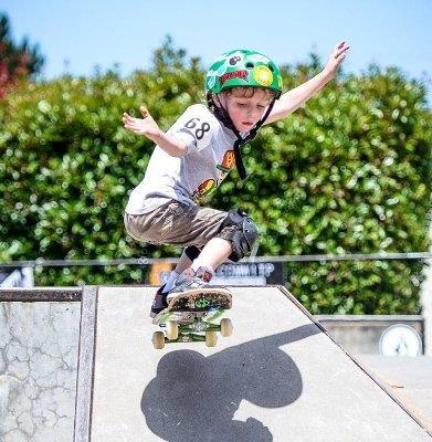Ván trượt là bộ môn được nhiều trẻ yêu thích