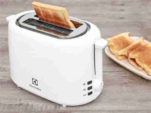 may nuong banh mi electrolux ets1303w