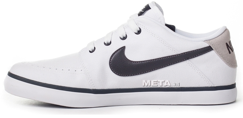 Lựa chọn size giầy phù hợp sẽ giúp bạn bảo vệ đôi chân của chính mình