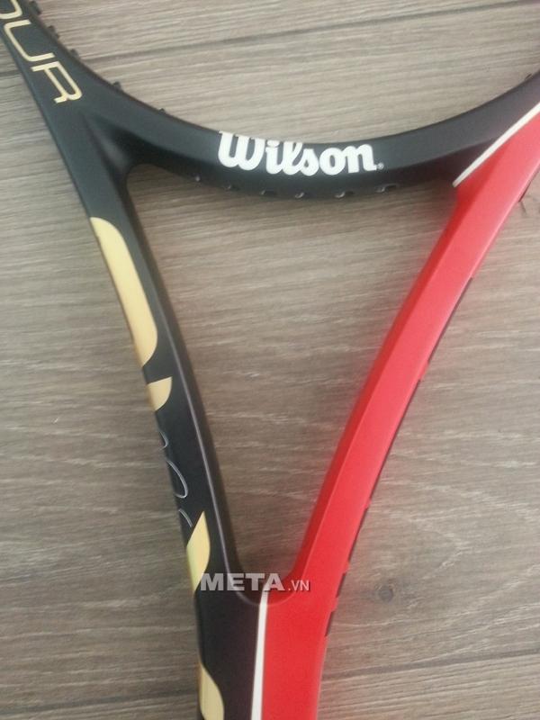 Vợt Tennis Wilson BLX Six One Tour 90 có bộ khung chắc chắn.