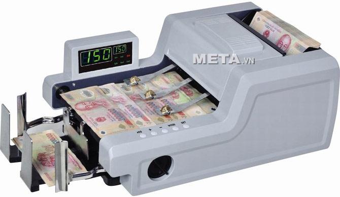 Máy đếm tiền CASHTA 5800W phát hiện tiền giả