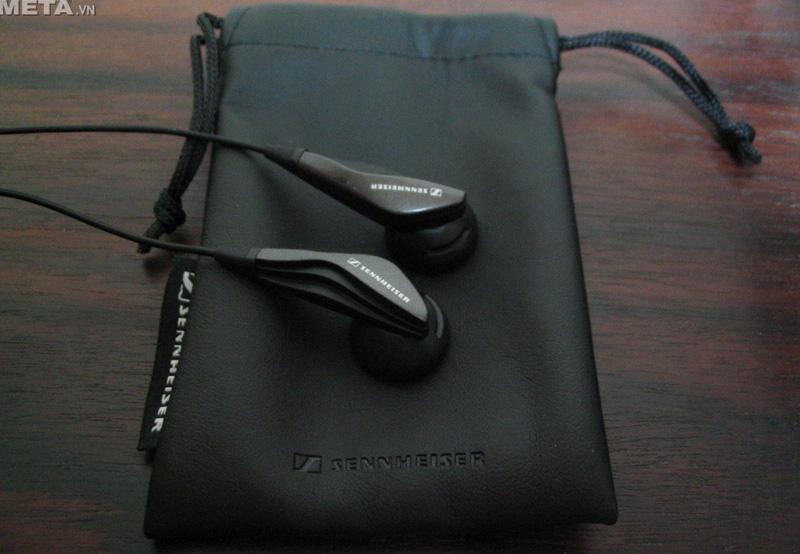 Tai nghe Sennheiser MX 375 cho âm thanh sống động, cùng âm bass mạnh mẽ.