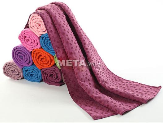 Khăn trải thảm Yoga mềm và mịn.