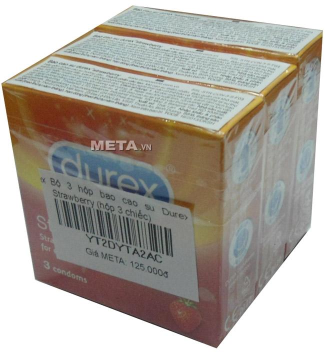 Bộ 3 hộp bao cao su Durex Strawberry (1 hộp 3 chiếc - 3 hộp 9 chiếc) có hương dâu giúp chàng và nàng dễ nhập cuộc hơn