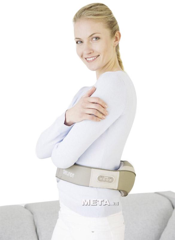 Đai massage lưng, vai, cổ Beurer MG148 có thể sử dụng tại nhà hay tại văn phòng.