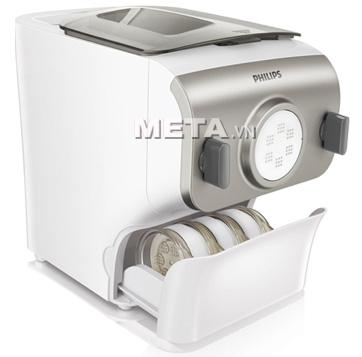 Máy làm mỳ Philips HR2365 có ngăn đựng mắt ra mỳ, có kèm công cụ đo bột và nước.